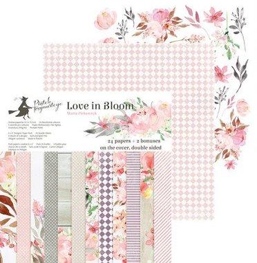 Piatek13 - Paper pad Love in Bloom 13.5 x 13.5 cm